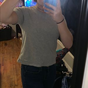 grey HOLLISTER t shirt